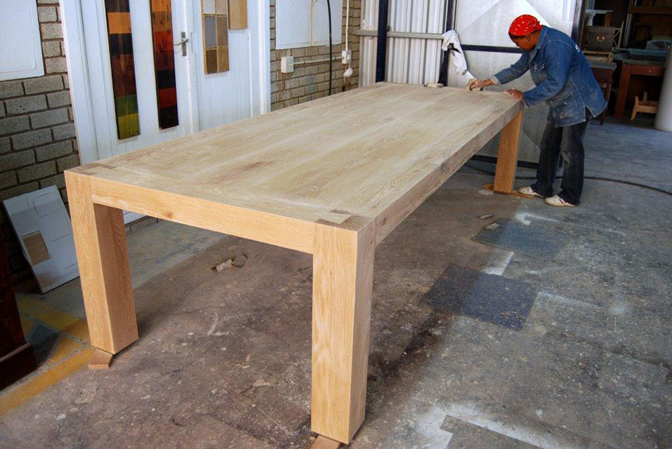 Amazing Dovetail Table 2